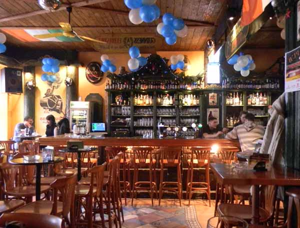 Come aprire un pub o birreria for Arredare pizzeria