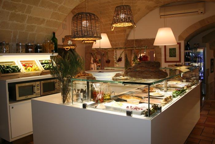 Idee arredamento ristorante th67 regardsdefemmes for Arredamento per ristorante usato